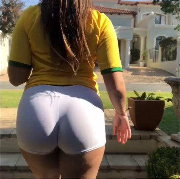 Teddy Moutinho em vídeo de shortinho curto com camisa do Brasil