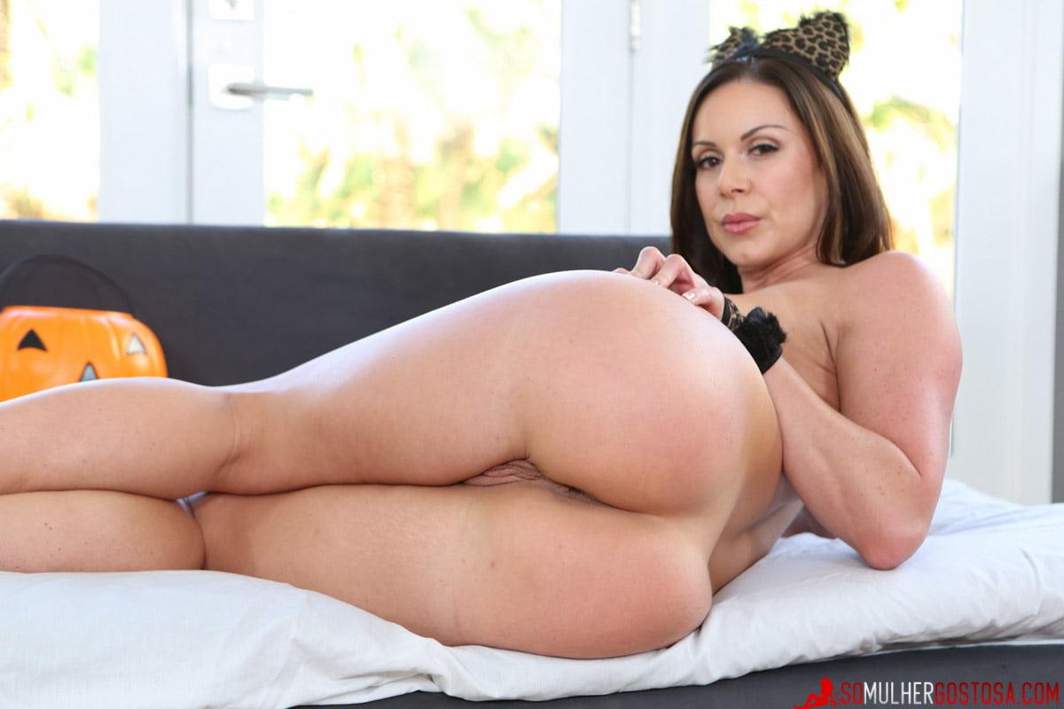 Kendra Lust nua pelada mostrando seu rabão lindo