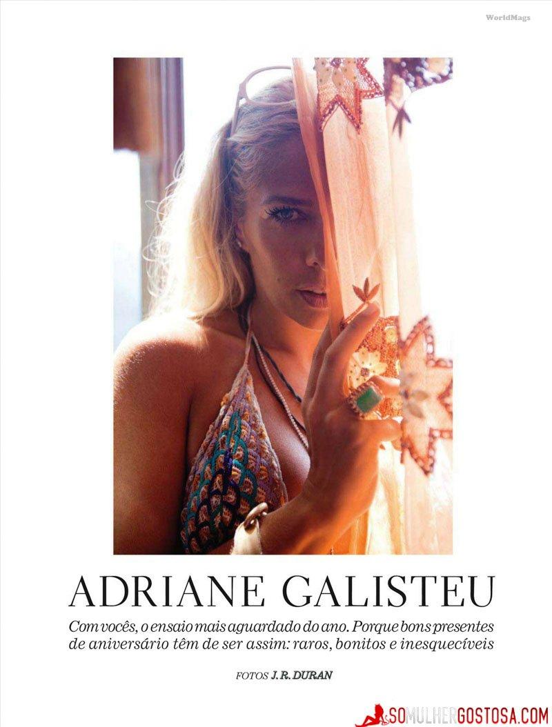 Adriane Galisteu nua pelada mostrando a buceta