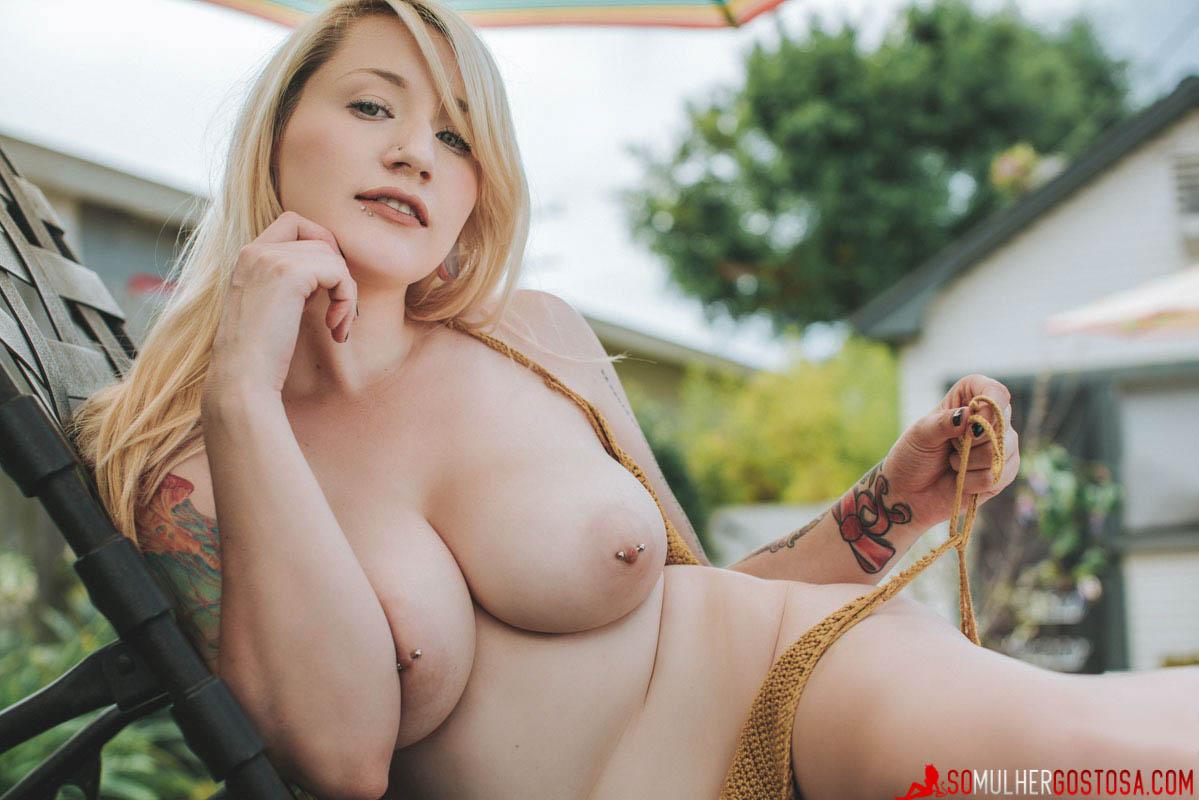 Fotos Hadley loirinha gostosa demais nua pelada mostrando a buceta